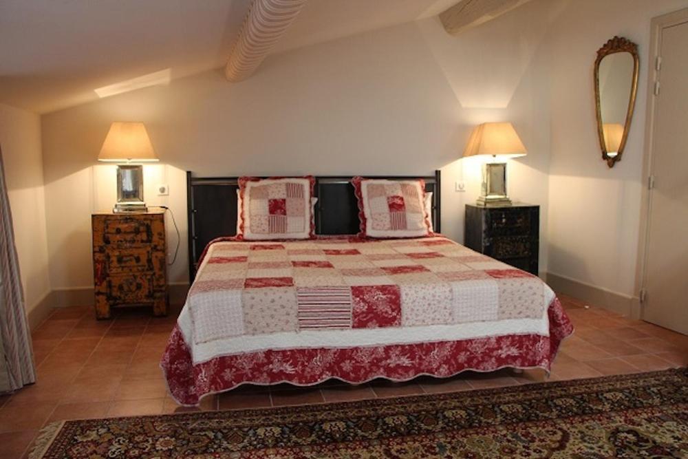 Chambres D U0026 39 H U00f4tes La Petite Hostellerie  Chambres D U0026 39 H U00f4tes Uz U00e8s