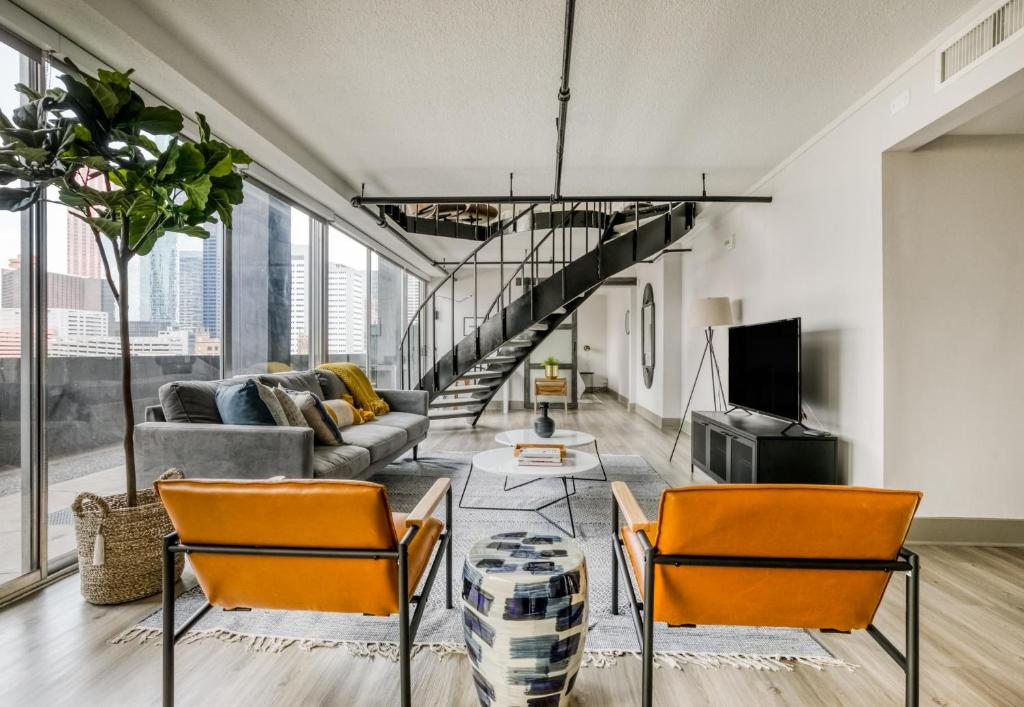 Fantastic Downtown Views In This Loft By Lodgeur Apartment