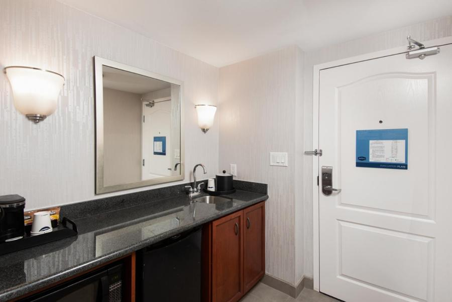 Hotel Hampton Inn Suites By Hilton Barrie