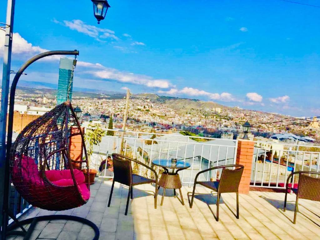 Апартаменты тбилиси снять виллу в торревьехе