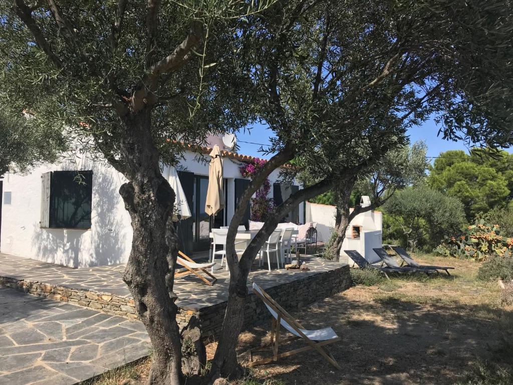 Maison de pêcheur vue mer, grand jardin, Ferienhaus Cadaqués