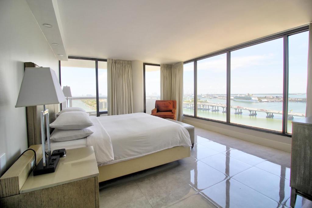 Downtown Miami 2731 Luxury 1 Bedrooms Waterfront Condo Free Valet Parking Apartment Miami
