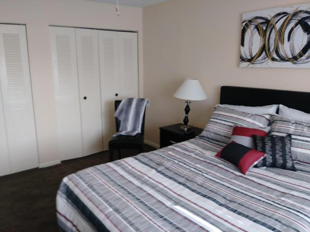 The Place To Relax Apartment Overland Park