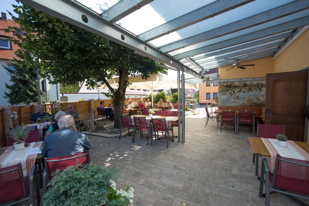 Hotel Restaurant Weisses Ross Schwaig Bei Nurnberg