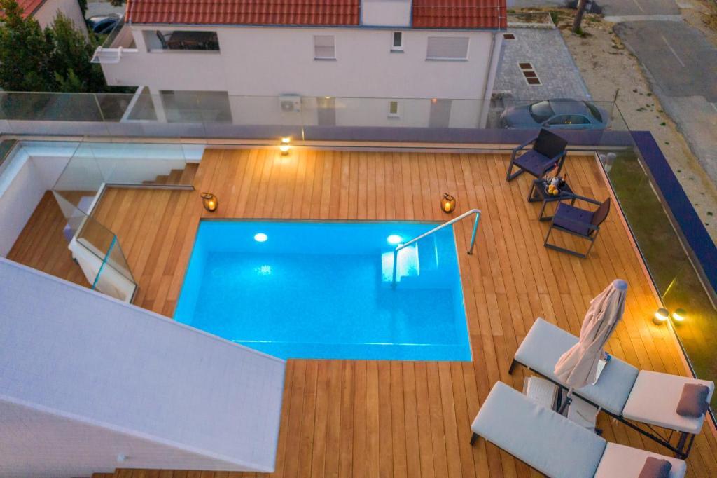 Bekina Stylish Rooftop Swimming Pool Apartment Holiday Home Mandre