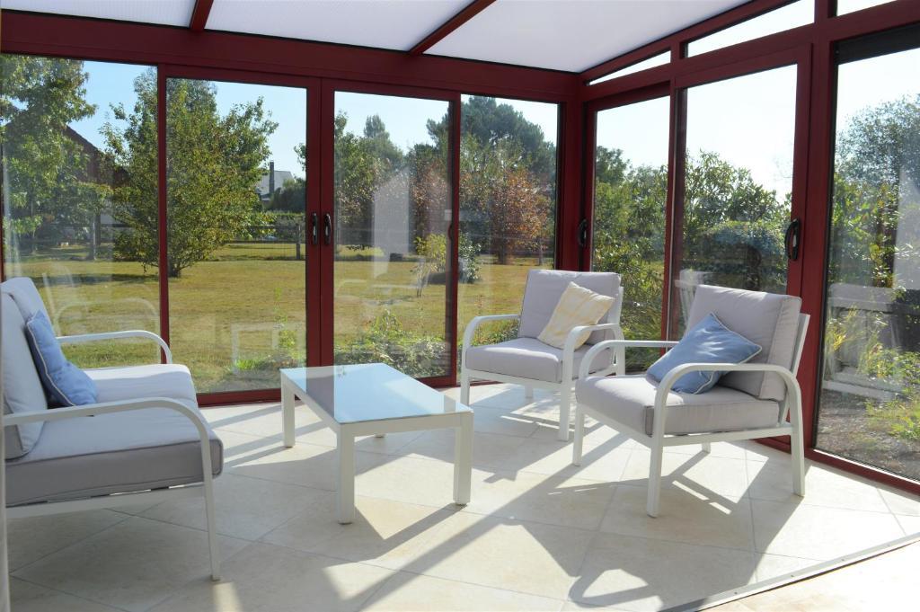 Maison de campagne : grand jardin et bois privés, Ferienhaus ...