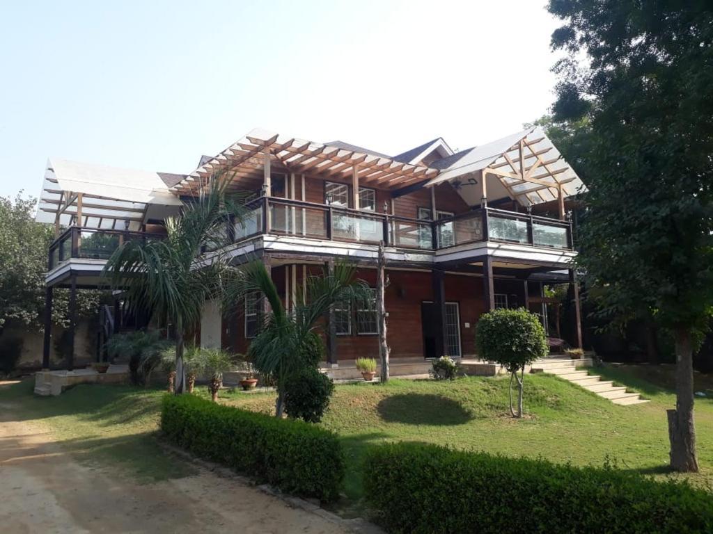 5 Bhk Farmhouse In Delhi Rental New Delhi