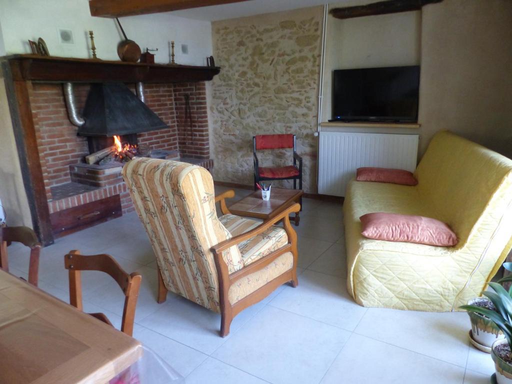Chambre à l\'étage, Ancienne ferme,, Privatzimmer Peyrissas