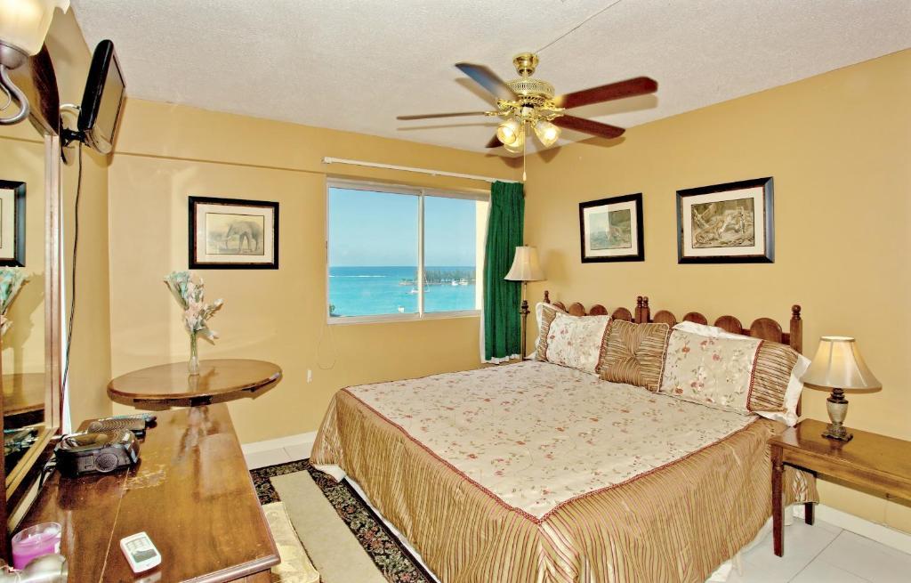 Beach Sea View Balcony King Bed