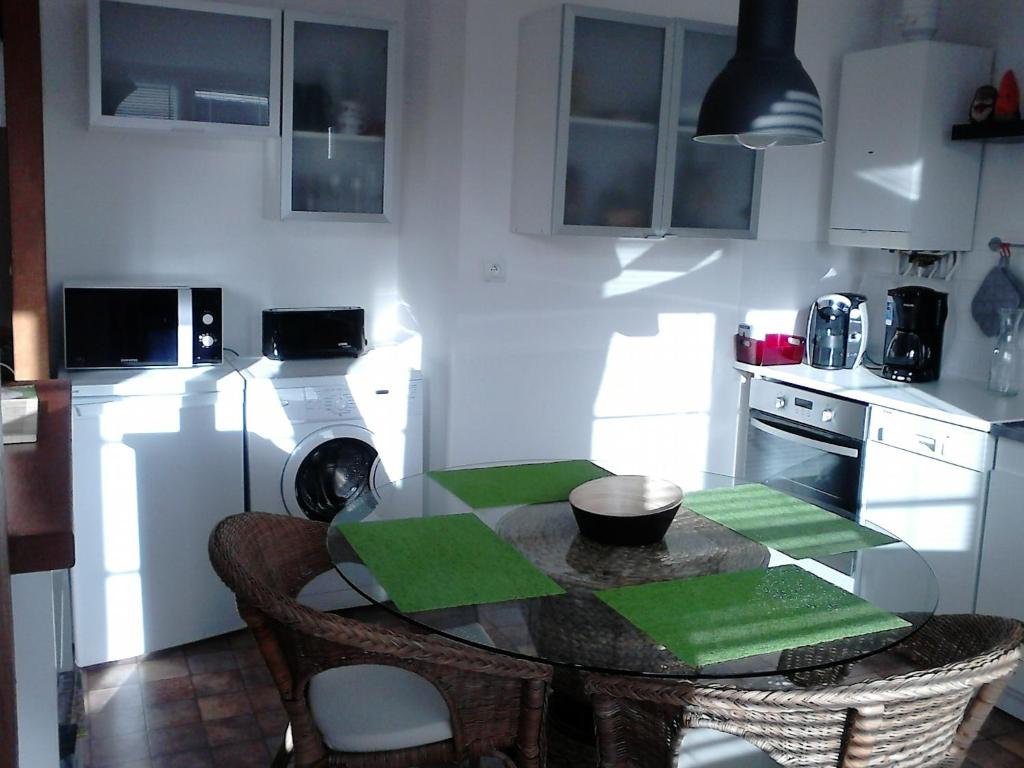 appart titanic cherbourg centre port cherbourg en cotentin reserve o seu hotel com viamichelin. Black Bedroom Furniture Sets. Home Design Ideas