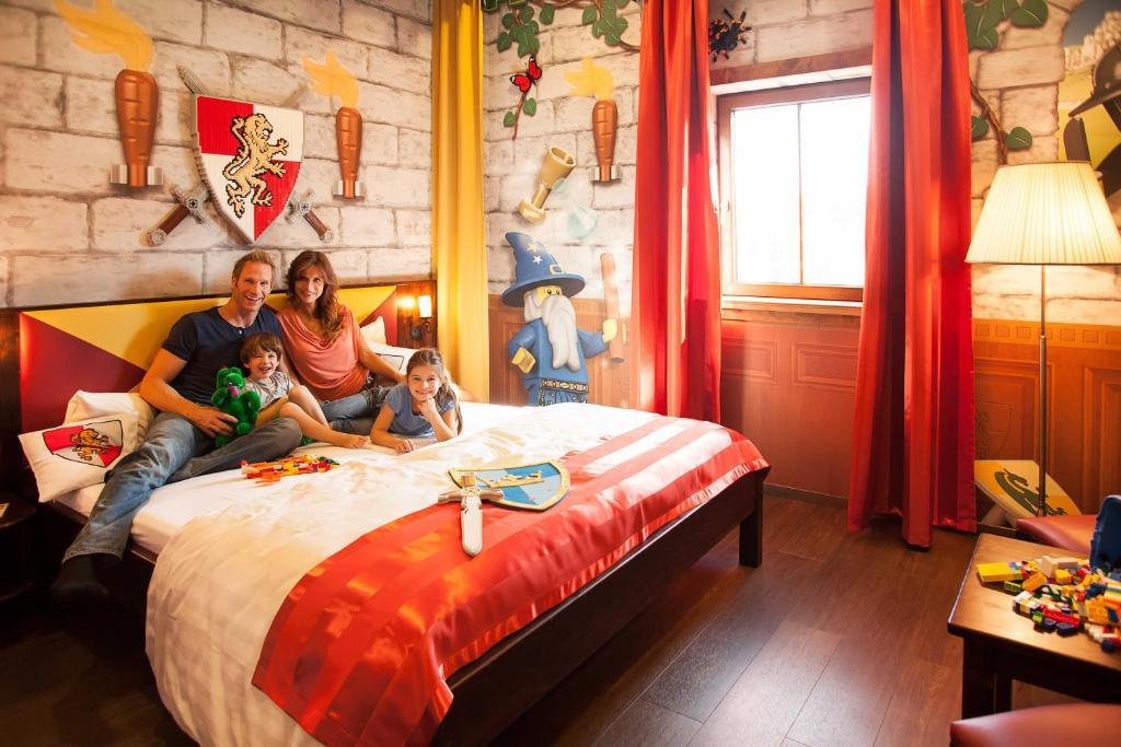 Etagenbett Clay : Legoland feriendorf ferienparks günzburg