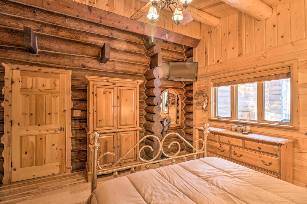 Glacier Park 1 Bedrooms Log Cabin Best In The West Holiday Home Essex