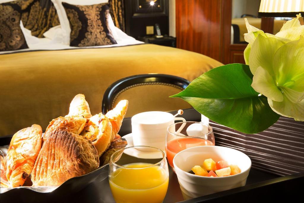 Hotel Le Belmont Champs Elys U00e9es