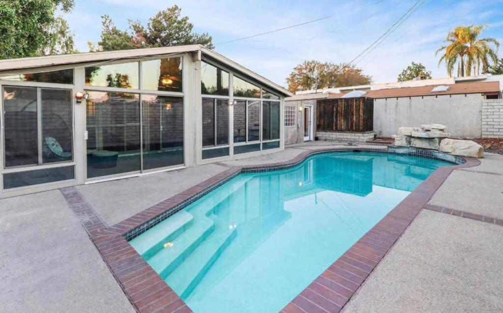 Awesome Swimming Pool House All Private Use For Groups Holiday Home Los Angeles