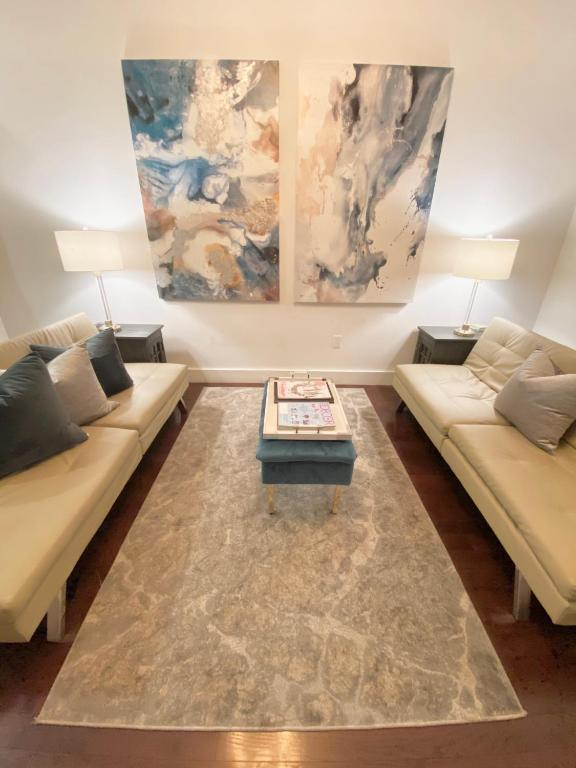 5th Ave Nyc Palace 5 Beds And 2 Baths, 5th Ave Furniture