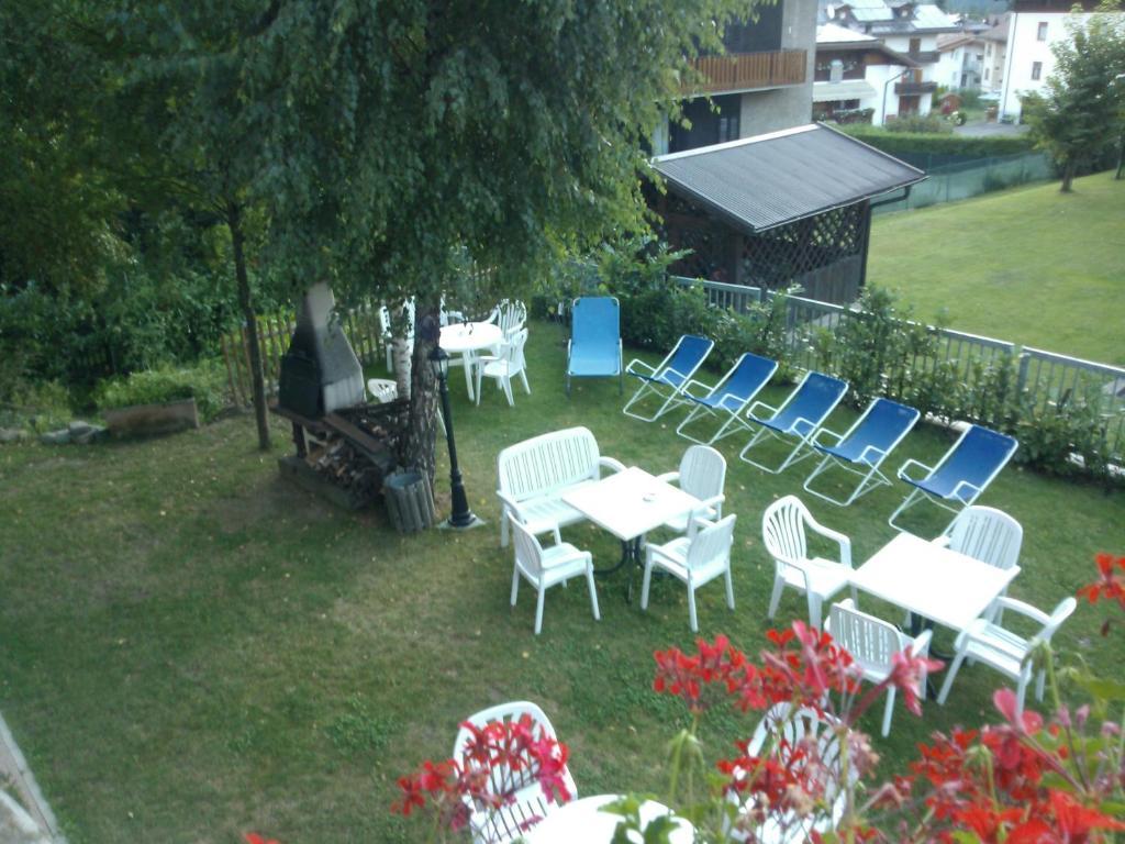 Booking Hotel Dimaro