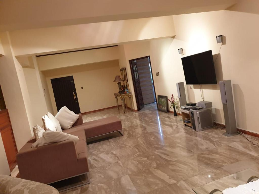 Flower Court Apartments 4 Guests Family Vacation Apartment Colombo