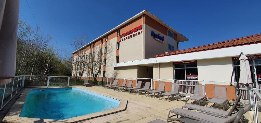 Hotel Kyriad Aix Les Milles Plan De Campagne Bouc Bel Air