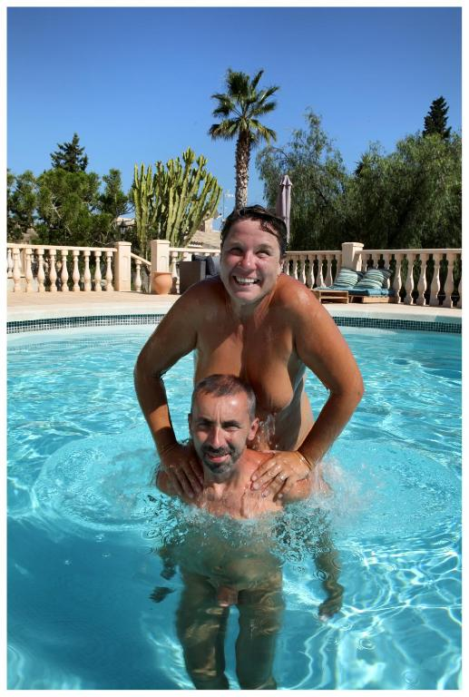 Photos nudist home Guest Pictures