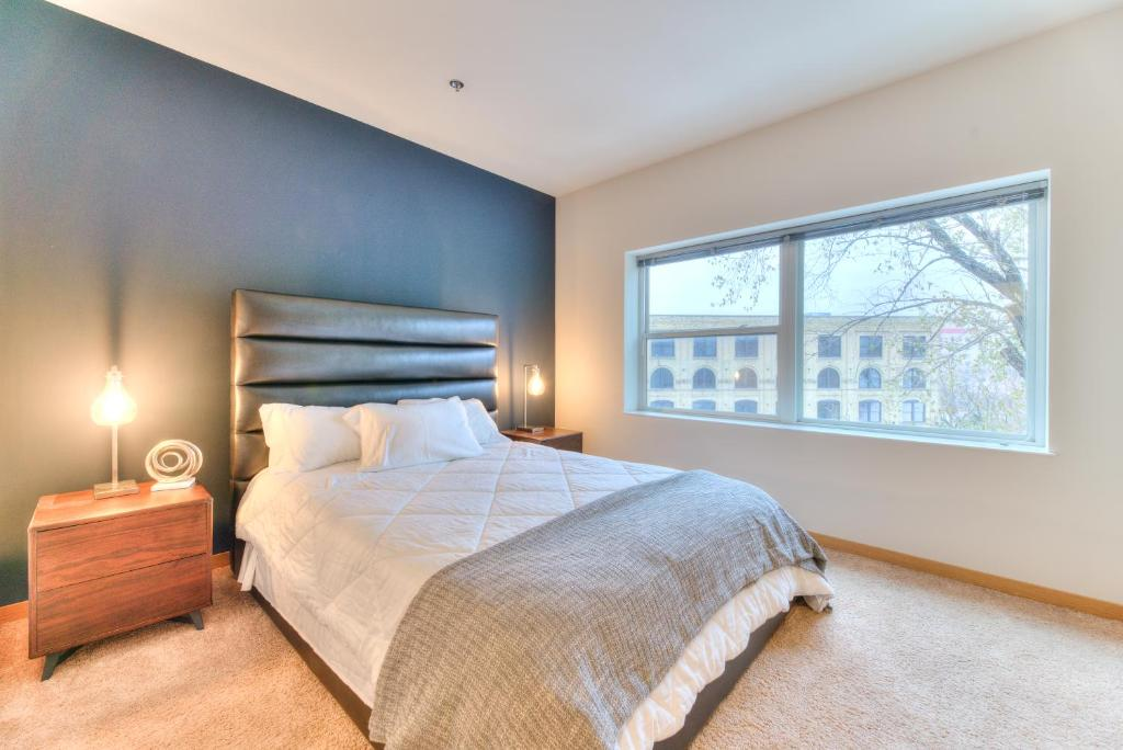 Milwaukee River Apartments By Barsala Appart Hotels Milwaukee