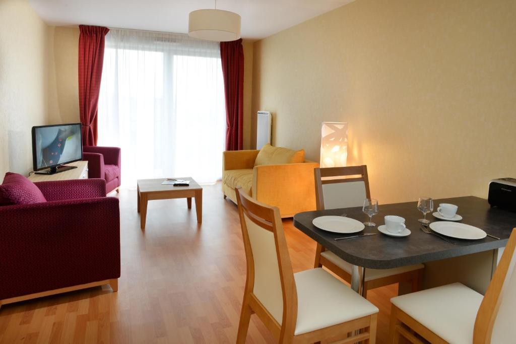 L Hermine Blanche Appart Hotels Wasquehal