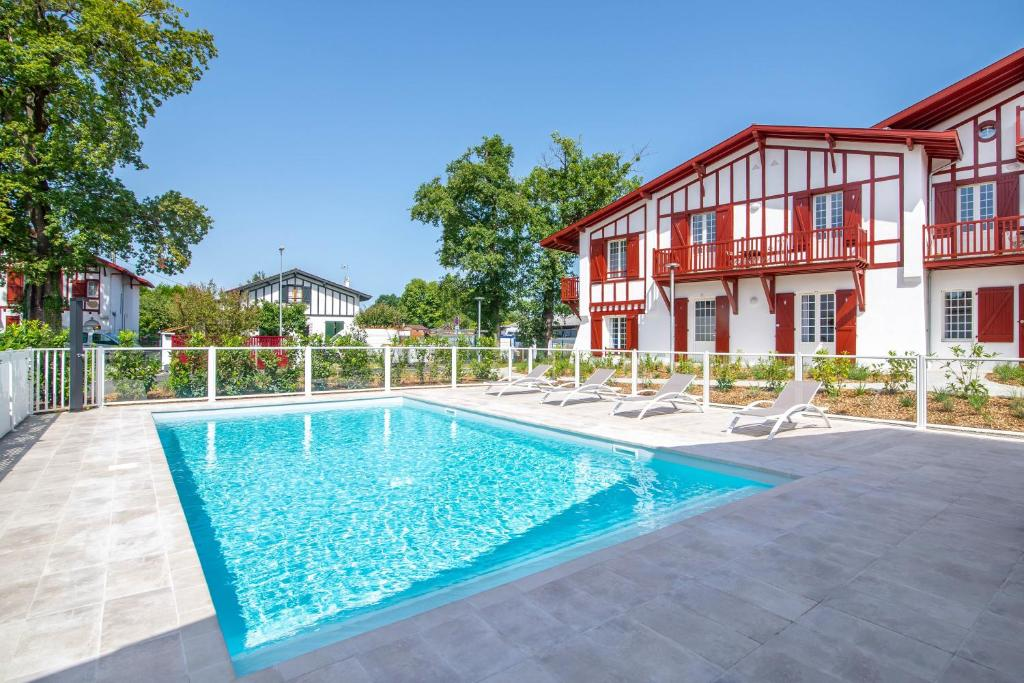 Residence Ker Enia Meubles De Tourisme Appart Hotels Cambo Les Bains
