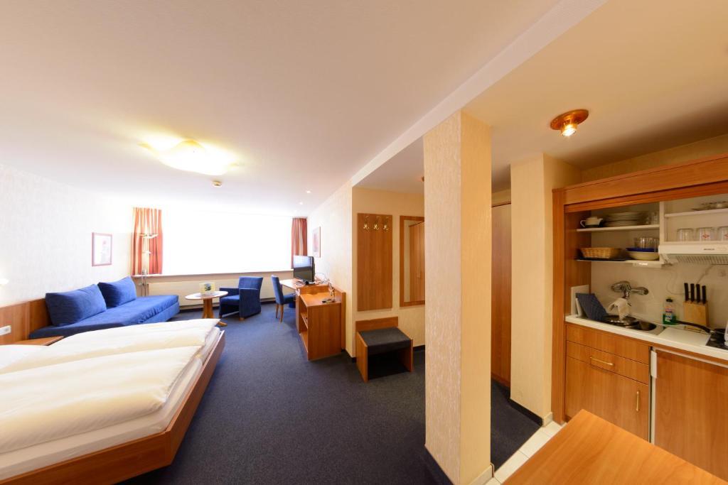 hotel boehler b blingen reserve o seu hotel com viamichelin. Black Bedroom Furniture Sets. Home Design Ideas