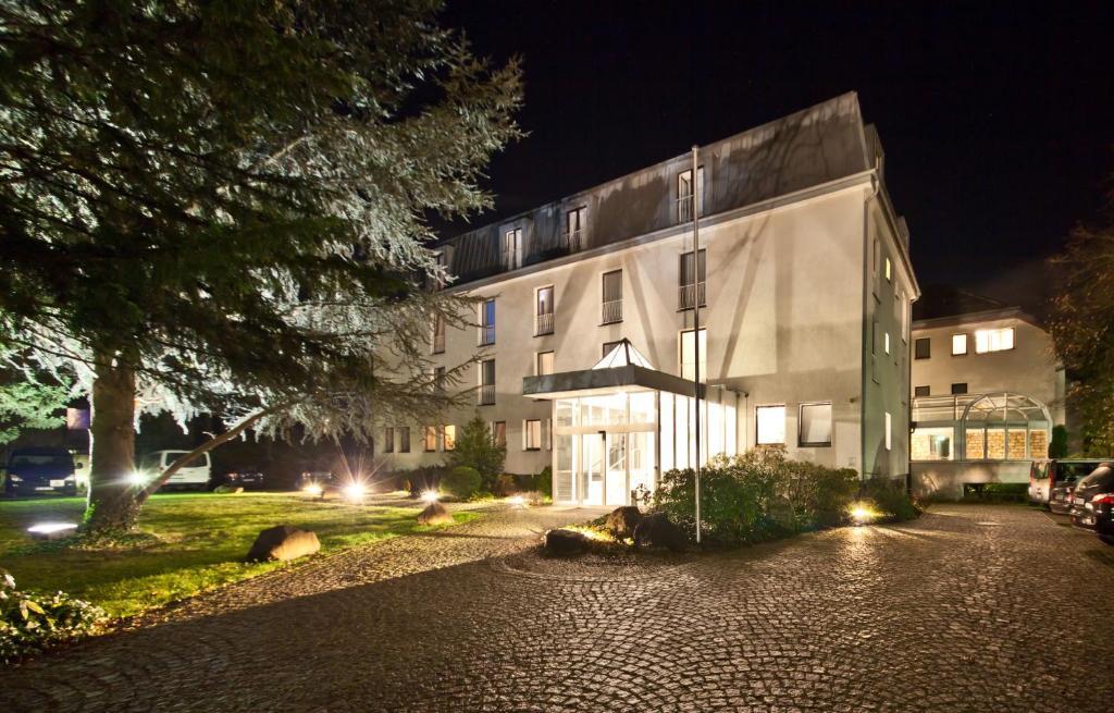 novum hotel silence garden k ln br ck cologne online booking viamichelin. Black Bedroom Furniture Sets. Home Design Ideas