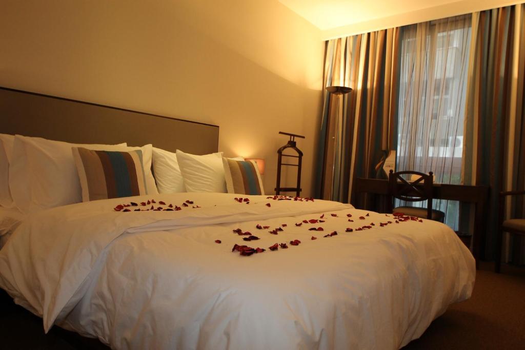 Rooms Hotel Beirut Website