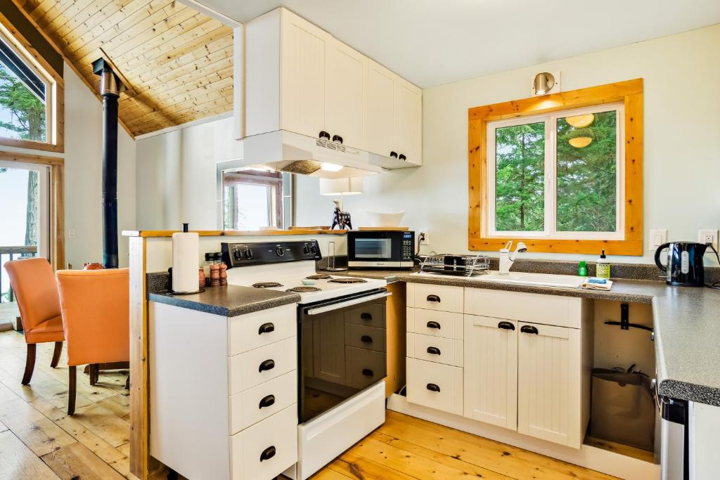 Orcas Island High Cliff View Cabin Holiday Home Eastsound