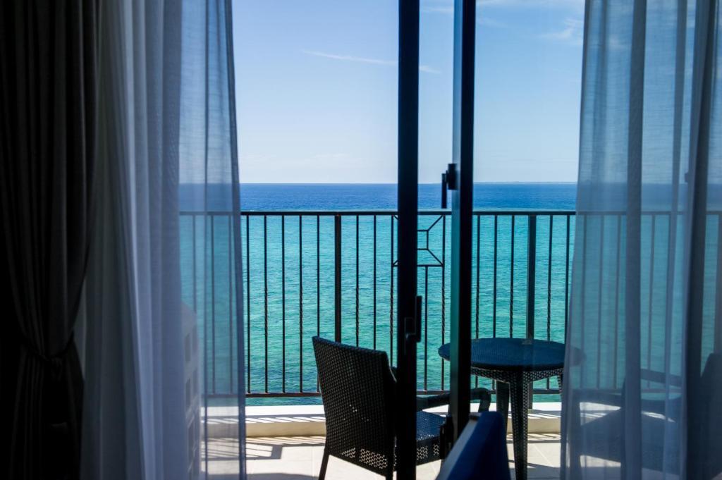Hotel Monterey Okinawa Resort