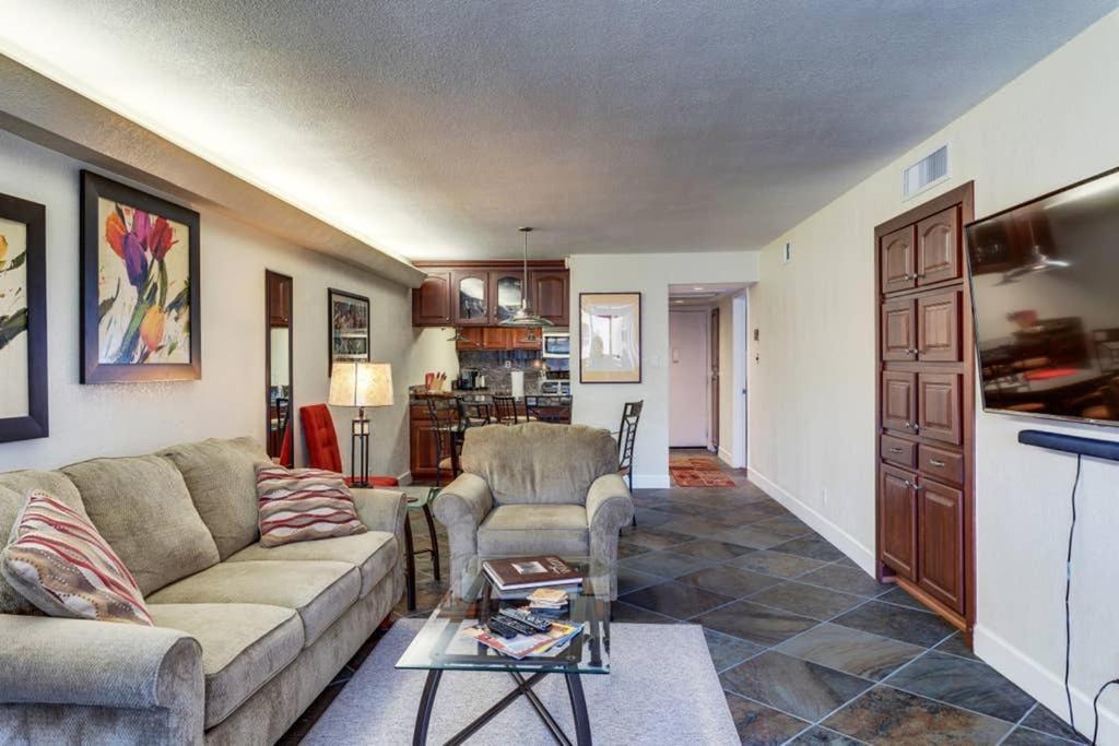Apartment Scottsdale, Scottsdale Modern Furniture