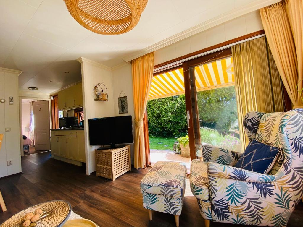 Private Lake Cottage Close To Amstedam Free Parking Holiday Home Vinkeveen