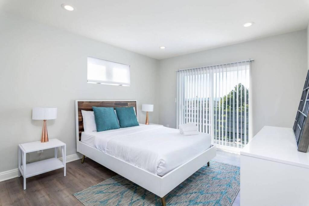 Stay Gia Chic Modern 3 Bedrooms Townhouse Silver Lake Echo Park C Apartment Los Angeles