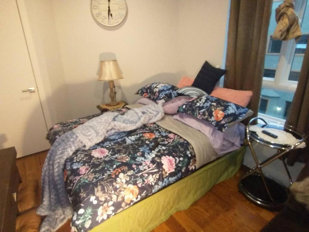 room in apartment host your small