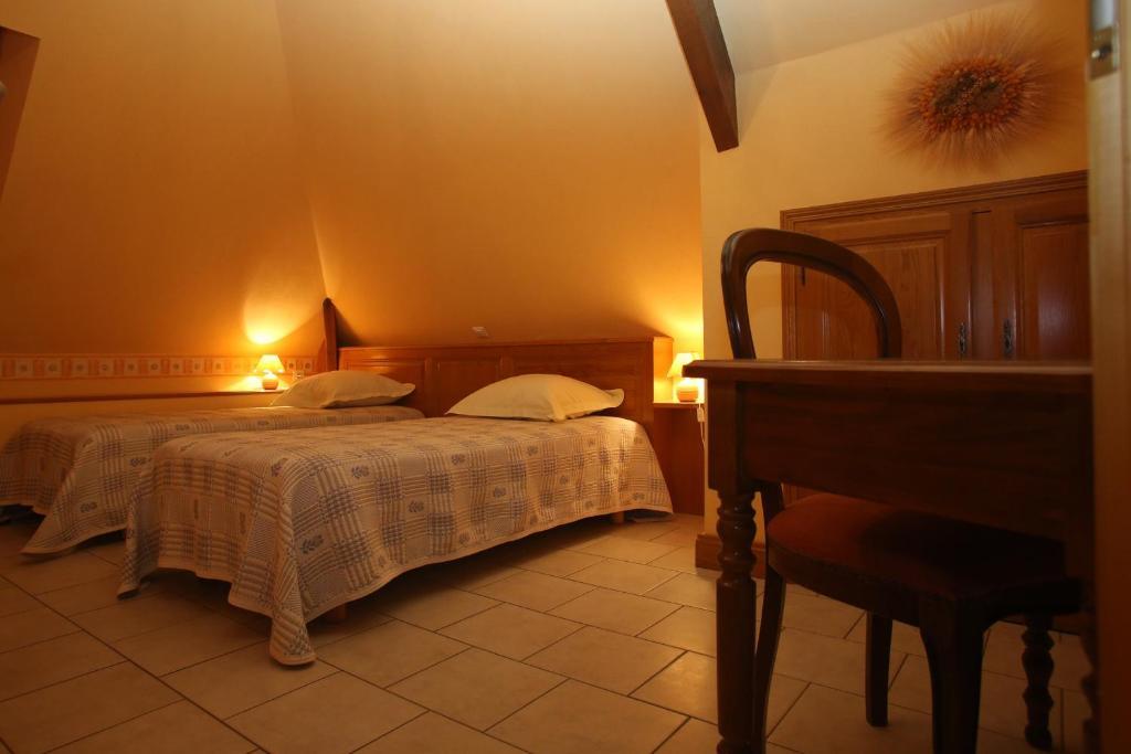 chambres d 39 h tes larnaudie r servation gratuite sur viamichelin. Black Bedroom Furniture Sets. Home Design Ideas