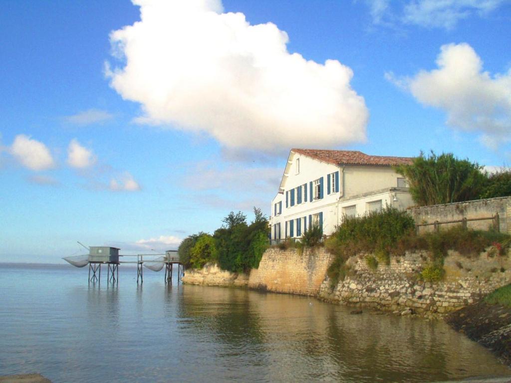 Bed U0026 Breakfast La Vieille Maison De La Douane, Bed U0026 Breakfast Talmont Sur  Gironde