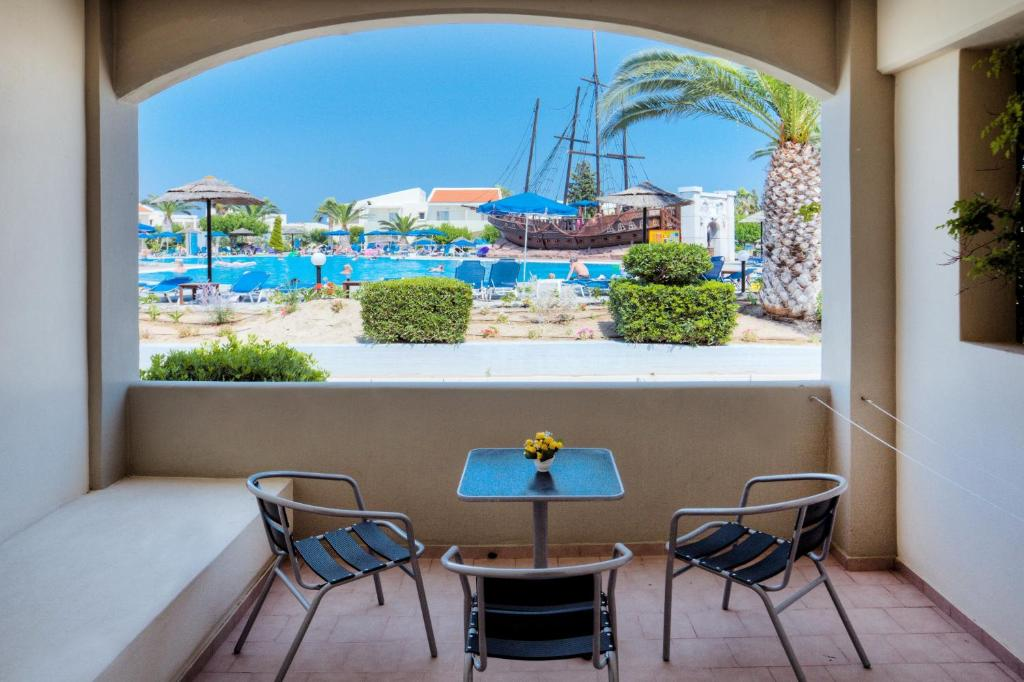Kipriotis village resort kos book your hotel with for Ristorante kos milano