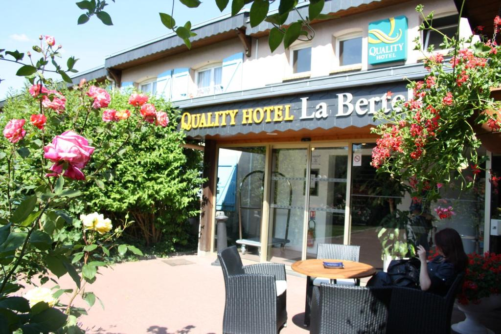 Qualys Hotel Saint Martin Du Vivier