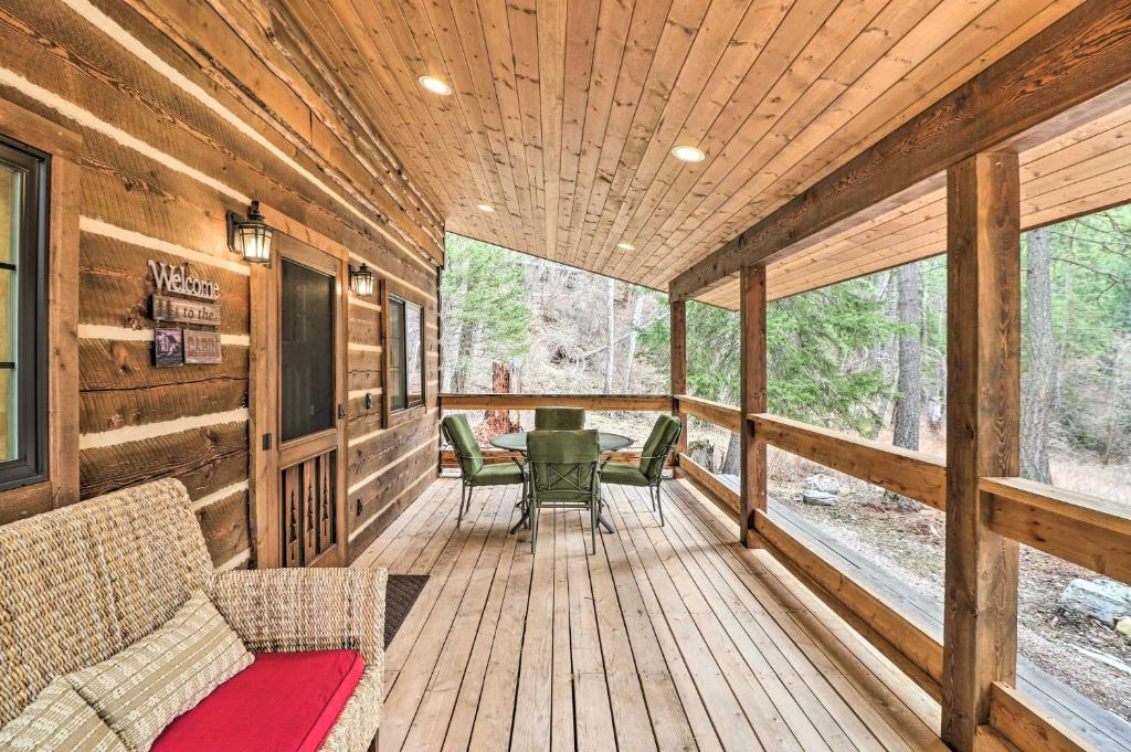 Timber Creek Cabin Holiday, Timber Creek Furniture