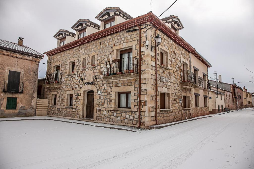 Casa rural castillo diempures riaza online booking viamichelin - Casa rural riaza ...