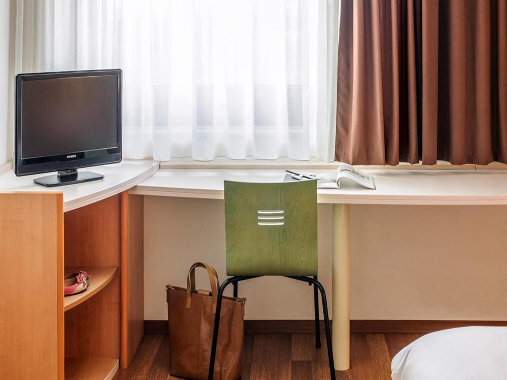 ibis berlin messe berlin informationen und buchungen. Black Bedroom Furniture Sets. Home Design Ideas