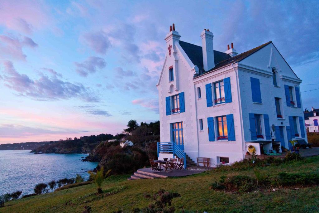 Chambres d 39 h tes villa de jade chambres d 39 h tes le palais - Chambre d hote montreuil sur mer ...