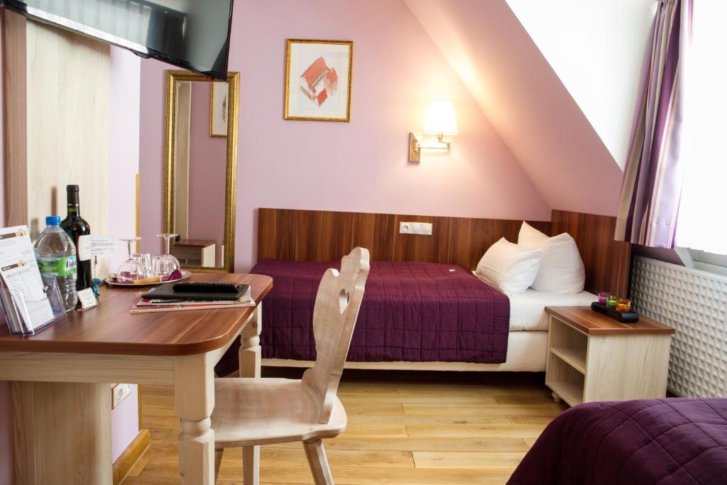 hotel elch n rnberg reserva tu hotel con viamichelin. Black Bedroom Furniture Sets. Home Design Ideas
