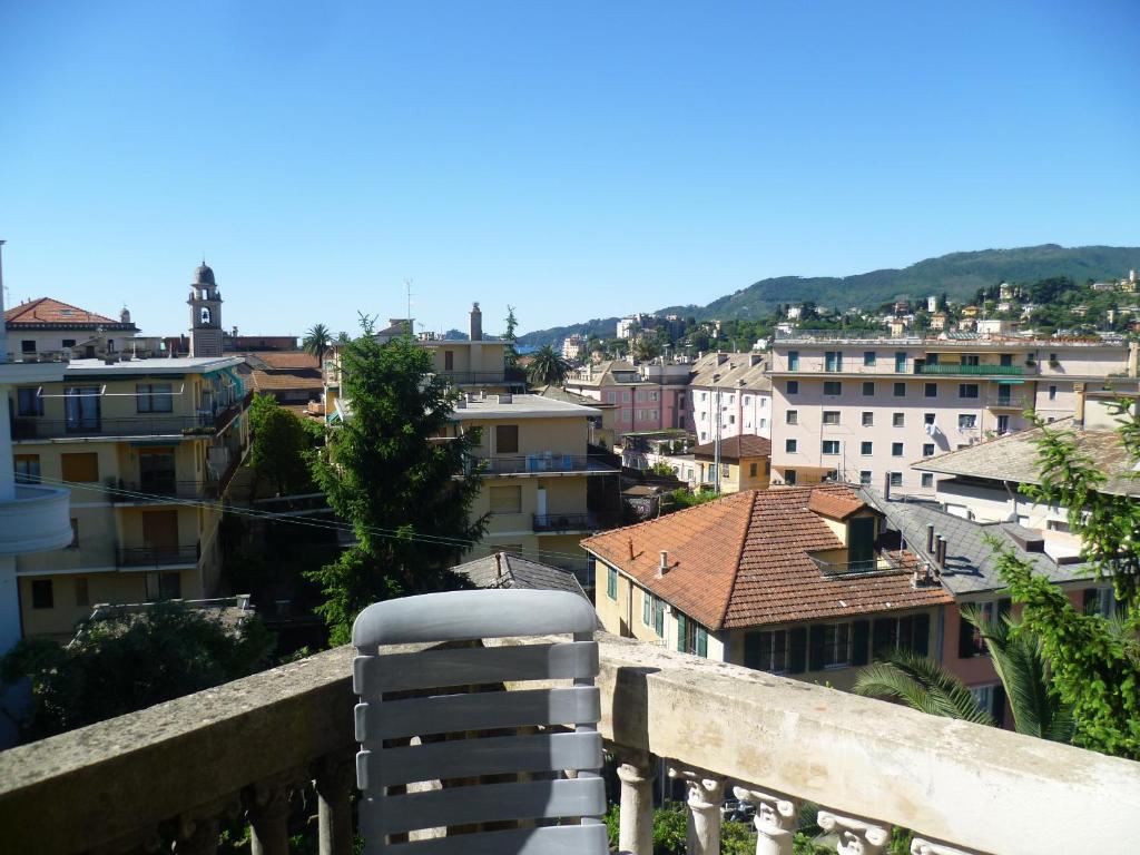 Pensione elvezia rapallo reserva tu hotel con viamichelin for Habitaciones familiares italia