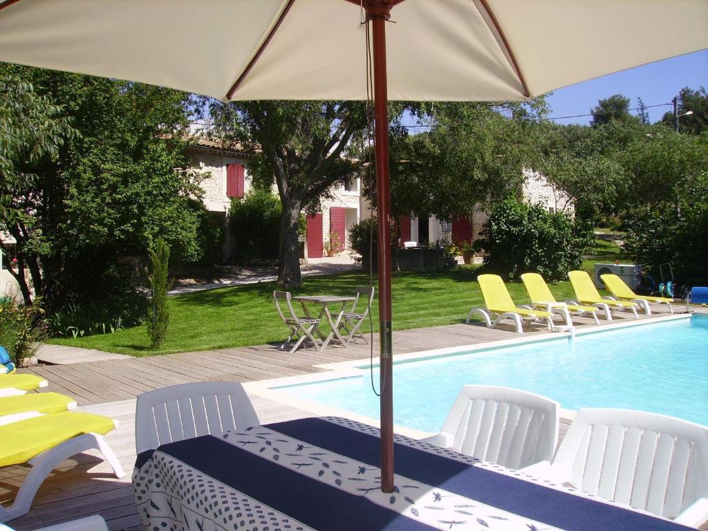 Chambre D Es Aix En Provence Piscine | Chambres D Hotes Mas Des Micocouliers Chambres D Hotes A Meyreuil