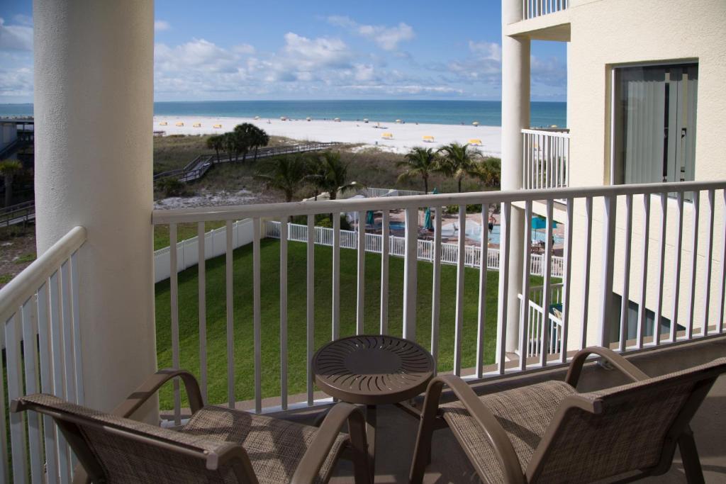 Sunset Vistas Two Bedroom Beachfront Suites R Servation Gratuite Sur Viamichelin