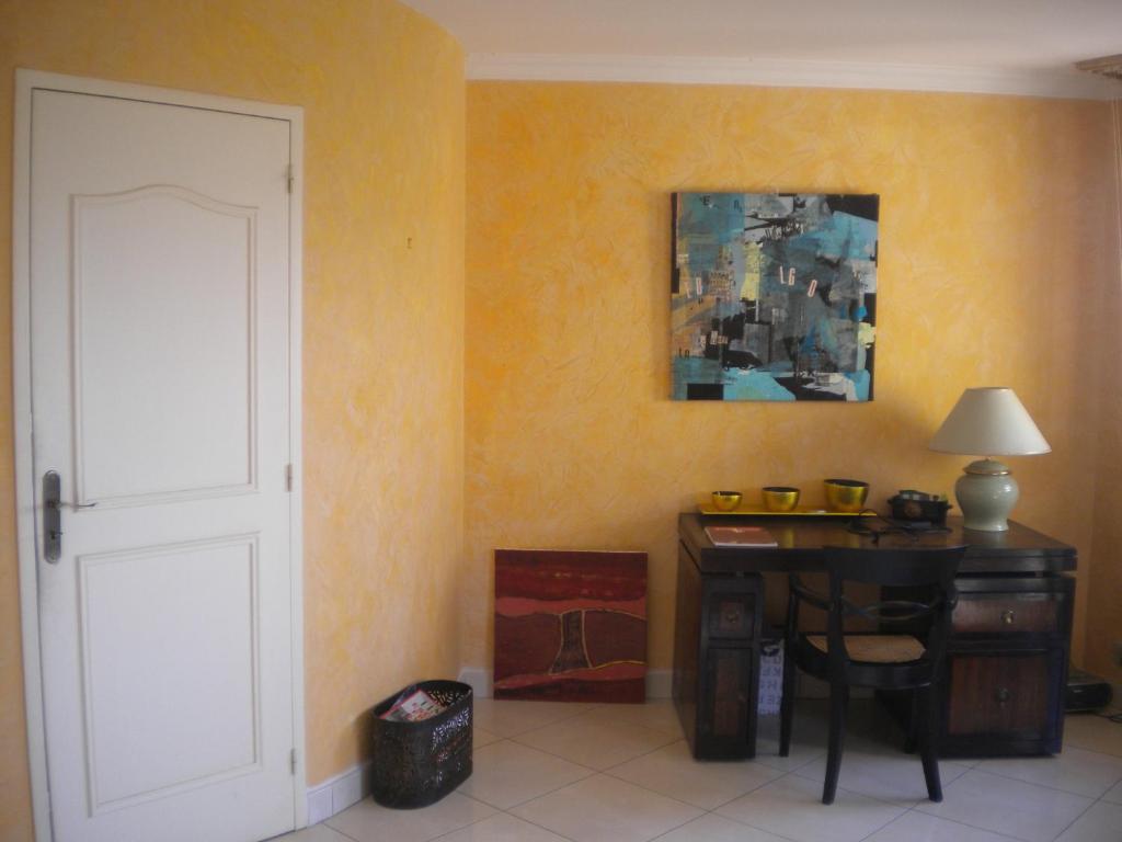 chambre h tes wagram chambre d 39 h tes ajaccio en corse du sud 2a. Black Bedroom Furniture Sets. Home Design Ideas