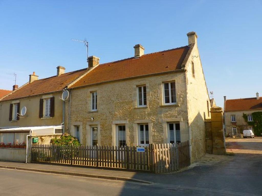 Maison ancienne entièrement rénovée pour 5 personnes, Vermietung ...