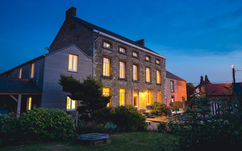 B&B Charmes d'hôtes, Bed & Breakfasts Couthuin on